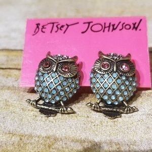 BETSEY JOHNSON OWL EARRINGS